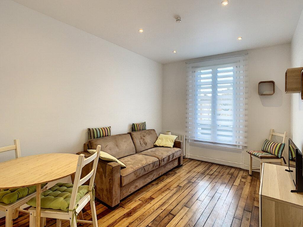 Appartement à louer 2 33.72m2 à Saint-Maur-des-Fossés vignette-1