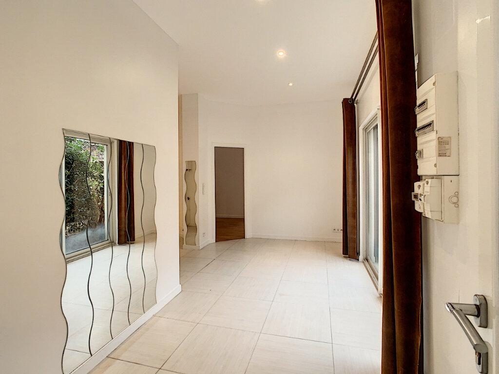 Appartement à louer 2 44.8m2 à Joinville-le-Pont vignette-3