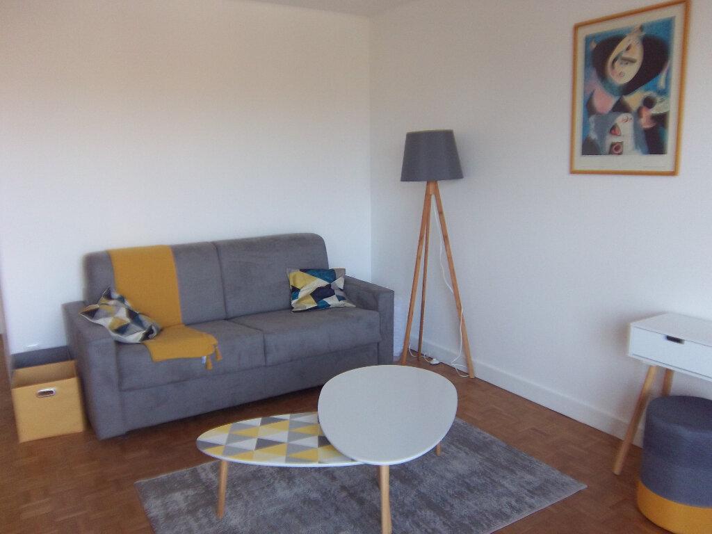 Appartement à louer 1 31.16m2 à Saint-Maur-des-Fossés vignette-1