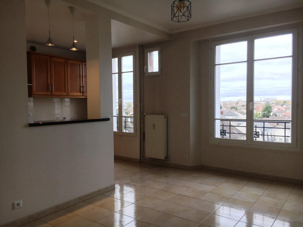 Appartement à louer 2 40.45m2 à Saint-Maur-des-Fossés vignette-1