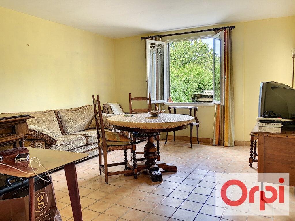 Maison à vendre 6 111m2 à Cormeilles vignette-3