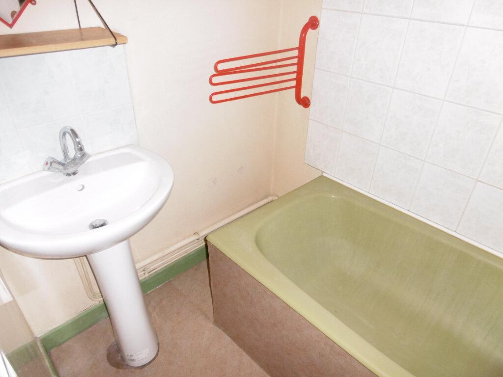 Appartement à louer 2 82m2 à Limoges vignette-11