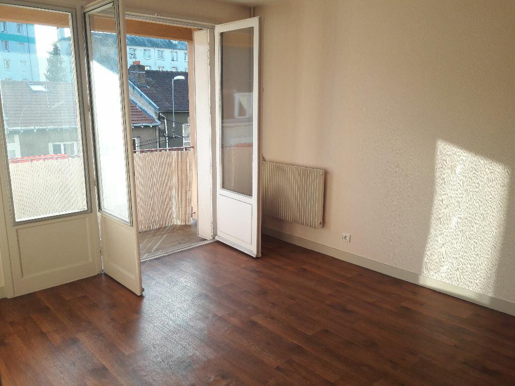 Appartement à louer 3 58m2 à Limoges vignette-1
