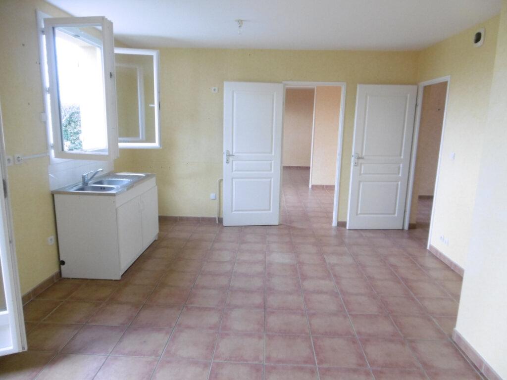 Maison à louer 7 165m2 à Condat-sur-Vienne vignette-3