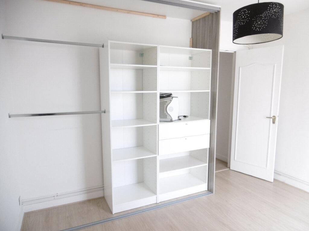 Appartement à louer 3 63.79m2 à Limoges vignette-6
