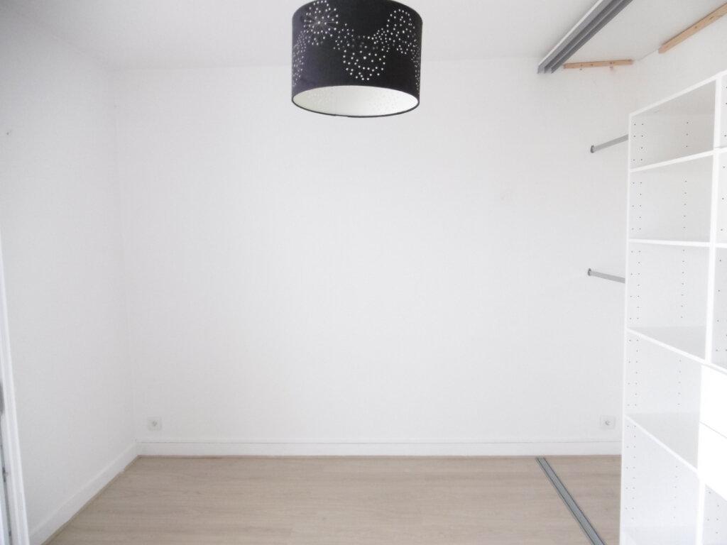 Appartement à louer 3 63.79m2 à Limoges vignette-7