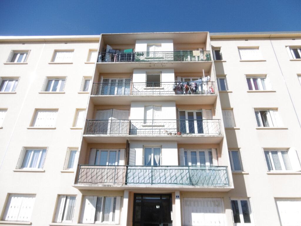 Appartement à louer 4 58.69m2 à Isle vignette-2