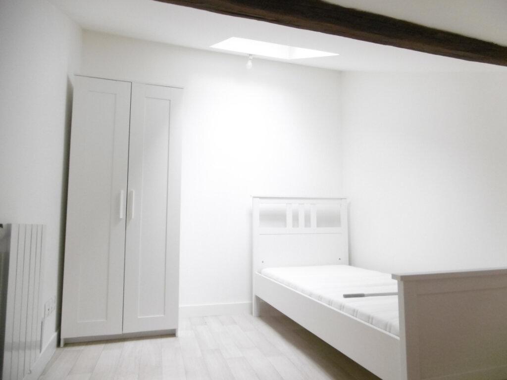 Appartement à louer 1 15.49m2 à Limoges vignette-4