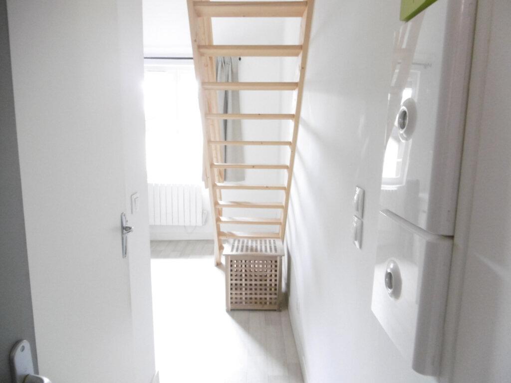 Appartement à louer 1 15.49m2 à Limoges vignette-6