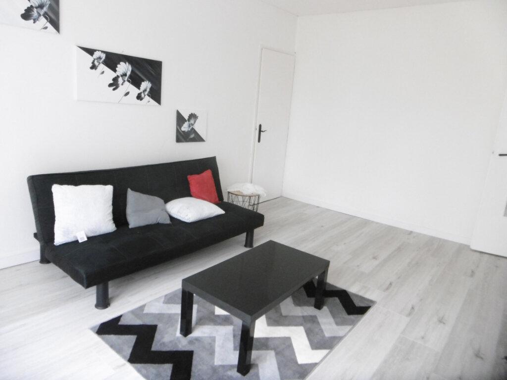 Appartement à louer 2 41m2 à Limoges vignette-1
