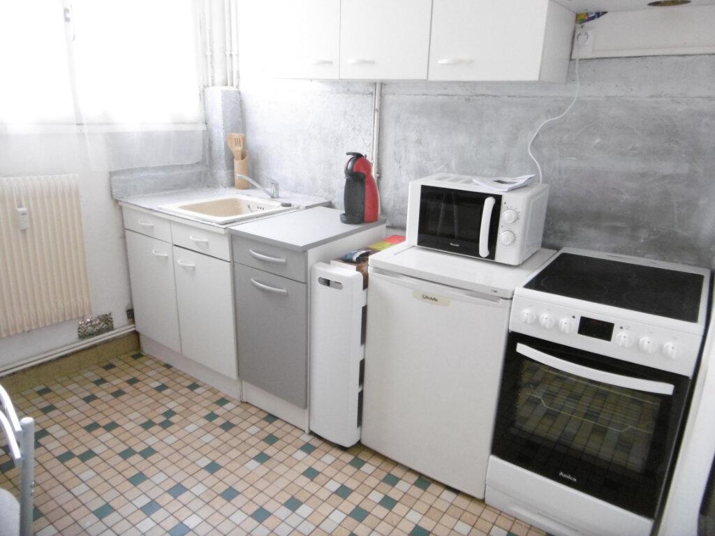 Appartement à louer 2 41m2 à Limoges vignette-5