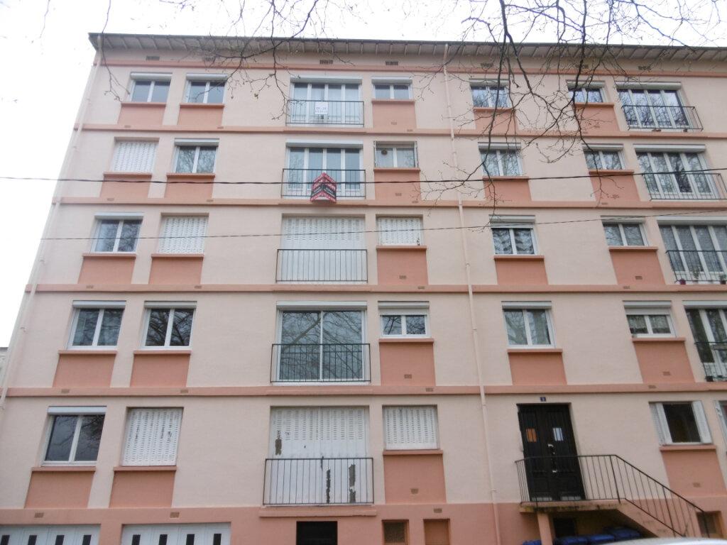 Appartement à louer 2 41m2 à Limoges vignette-10