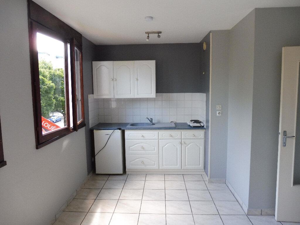 Appartement à louer 1 19.87m2 à Limoges vignette-1