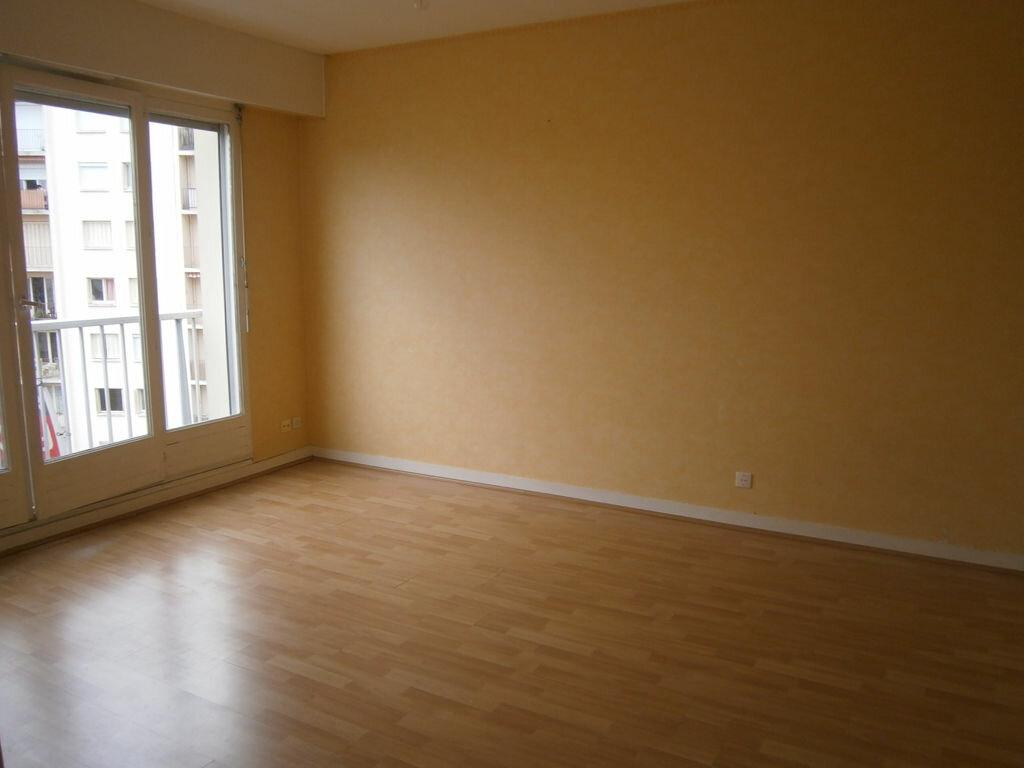 Appartement à louer 1 25.64m2 à Limoges vignette-3