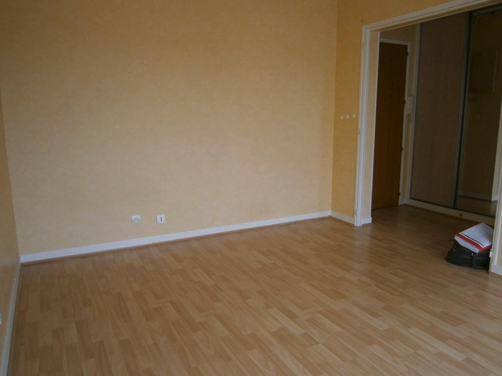 Appartement à louer 1 25.64m2 à Limoges vignette-4