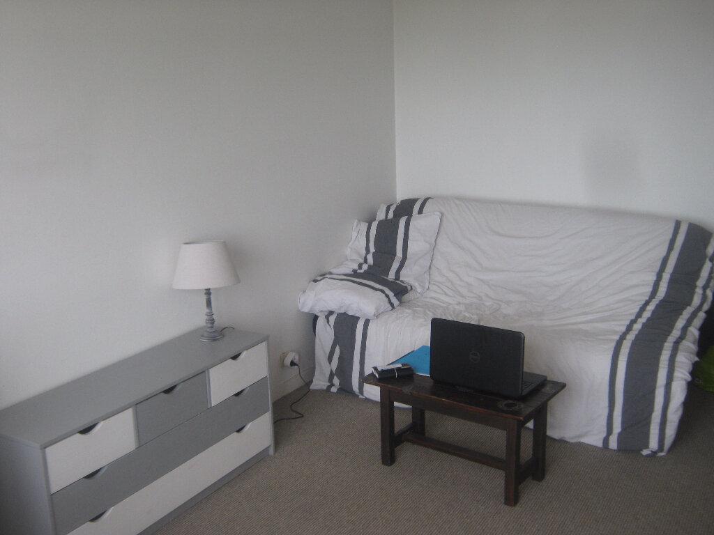 Appartement à louer 1 30m2 à Limoges vignette-5