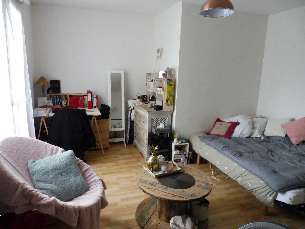 Appartement à louer 1 24.69m2 à Limoges vignette-2