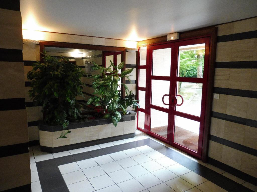 Appartement à louer 1 24.69m2 à Limoges vignette-3