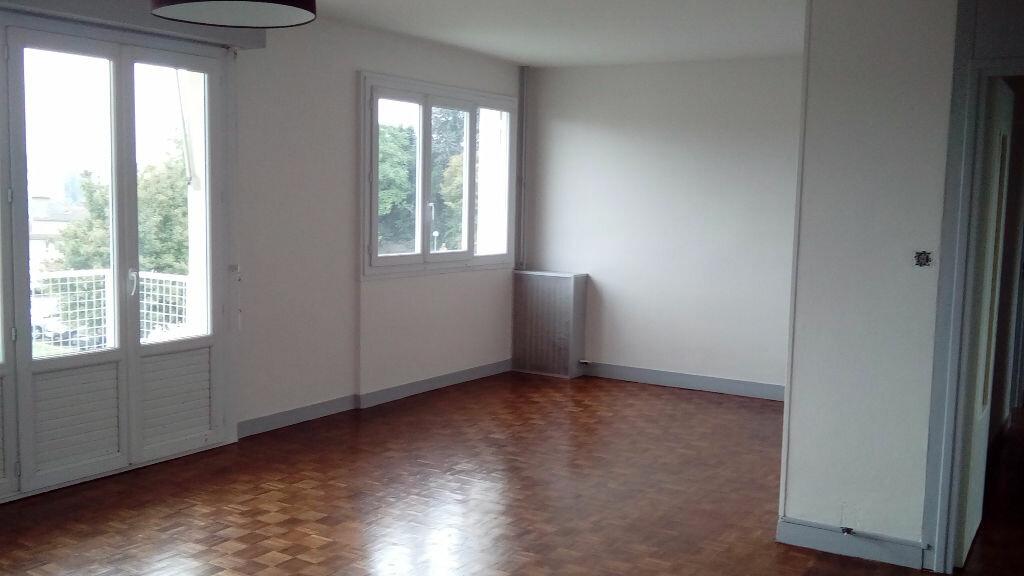 Appartement à louer 4 75.7m2 à Limoges vignette-1