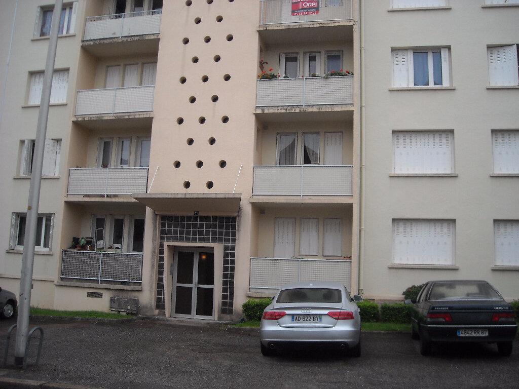 Appartement à louer 4 75.7m2 à Limoges vignette-6