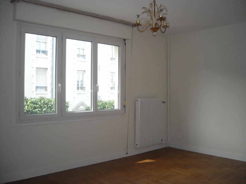 Appartement à louer 3 64.51m2 à Limoges vignette-6