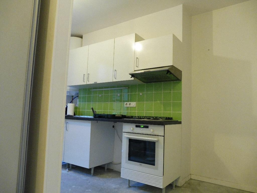 Appartement à louer 2 60m2 à Limoges vignette-4