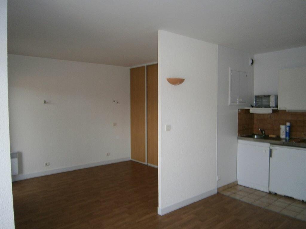Appartement à louer 1 31m2 à Limoges vignette-4