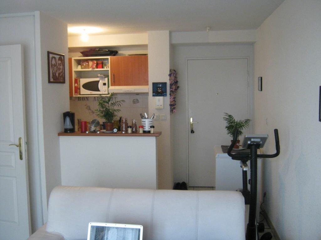 Appartement à louer 2 37.18m2 à Limoges vignette-3