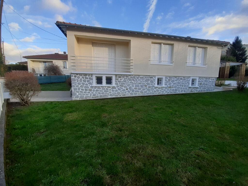 Maison à louer 4 95m2 à Limoges vignette-1