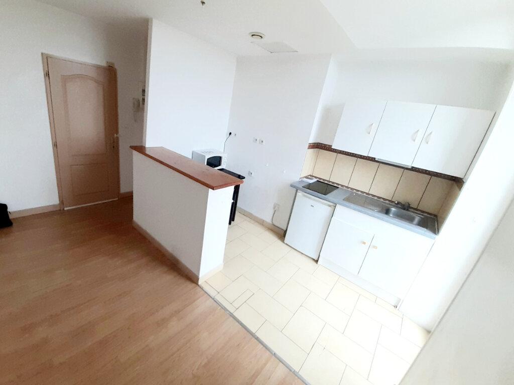 Appartement à louer 1 31m2 à Limoges vignette-1