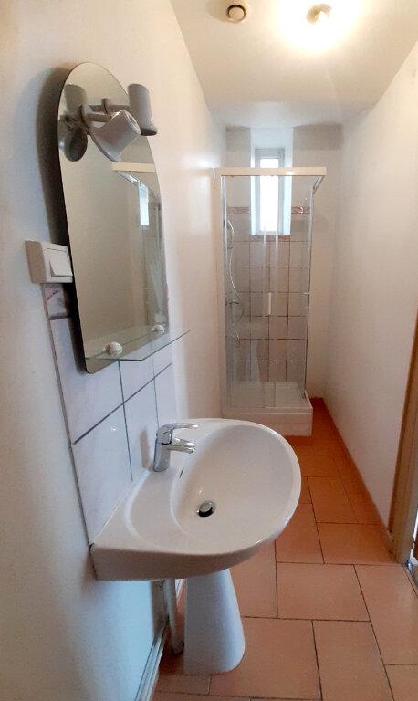 Appartement à louer 1 31m2 à Limoges vignette-3