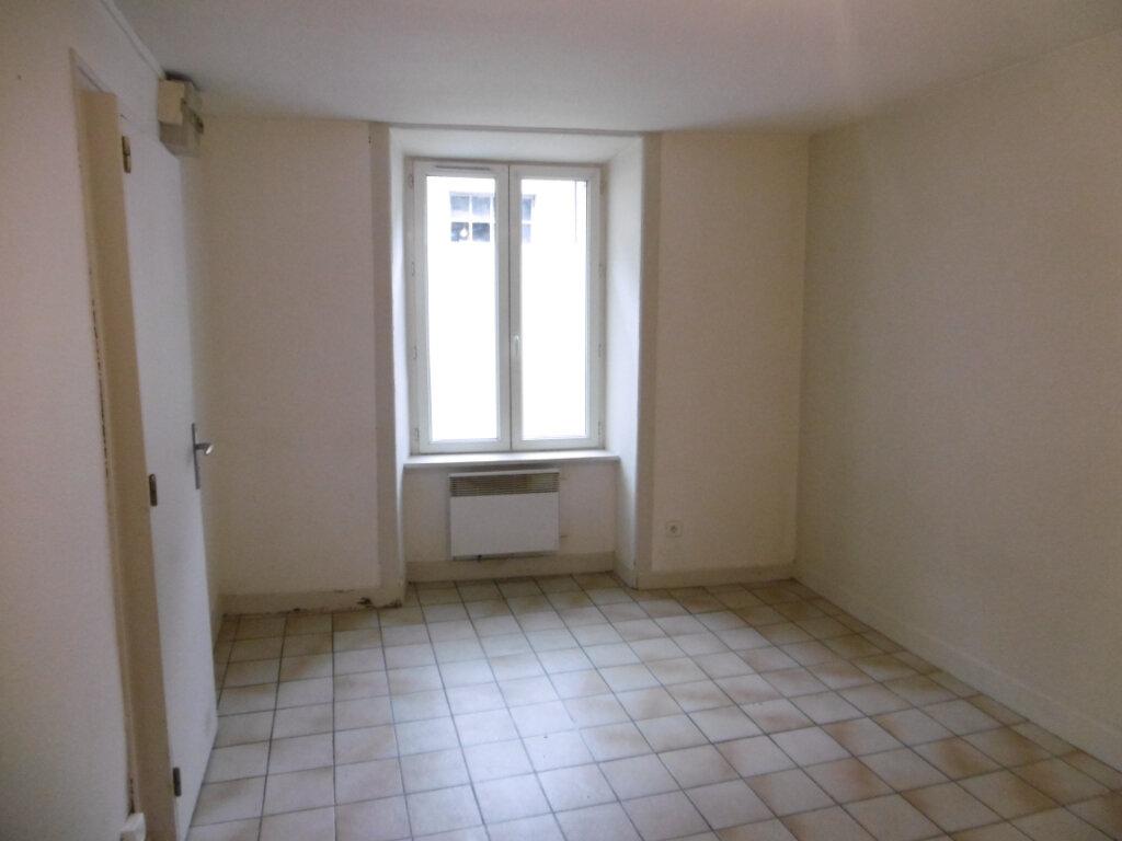 Appartement à louer 1 33m2 à Aixe-sur-Vienne vignette-9