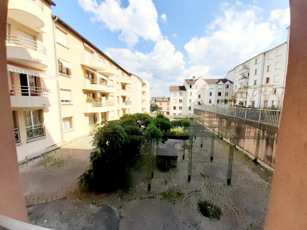 Appartement à louer 1 33m2 à Limoges vignette-1