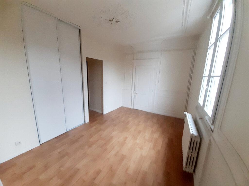 Appartement à louer 4 102m2 à Limoges vignette-4