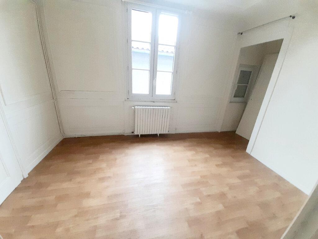 Appartement à louer 4 102m2 à Limoges vignette-9
