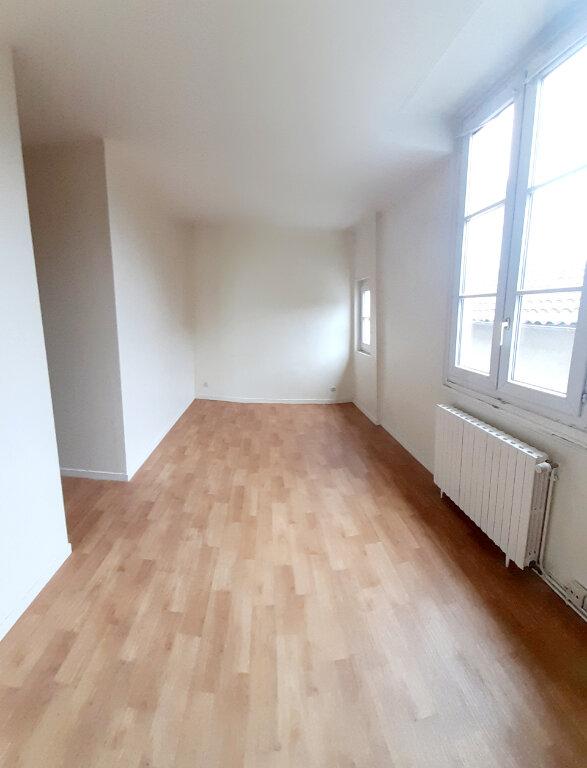 Appartement à louer 4 102m2 à Limoges vignette-10