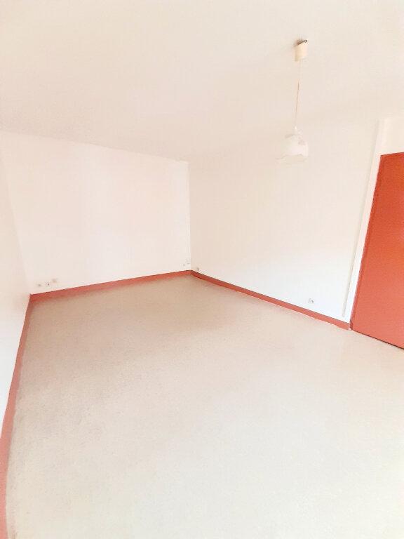 Appartement à louer 1 24m2 à Limoges vignette-7