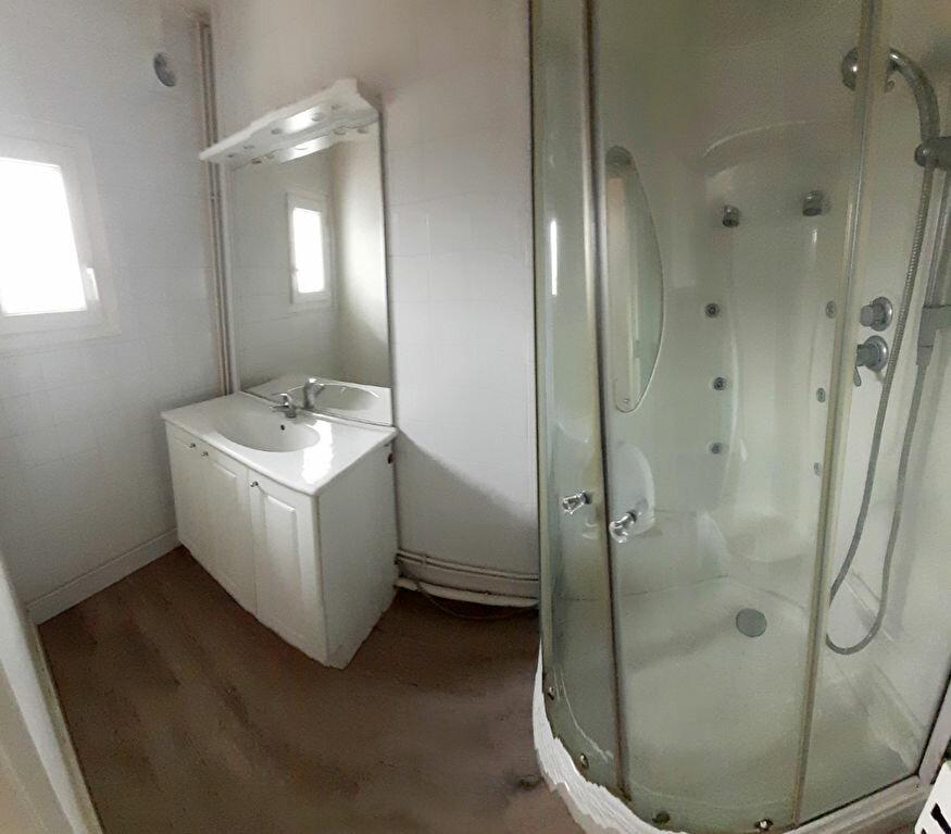 Appartement à louer 3 55m2 à Limoges vignette-2