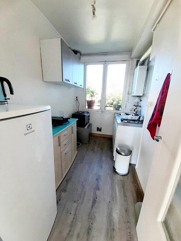 Appartement à louer 3 55m2 à Limoges vignette-4
