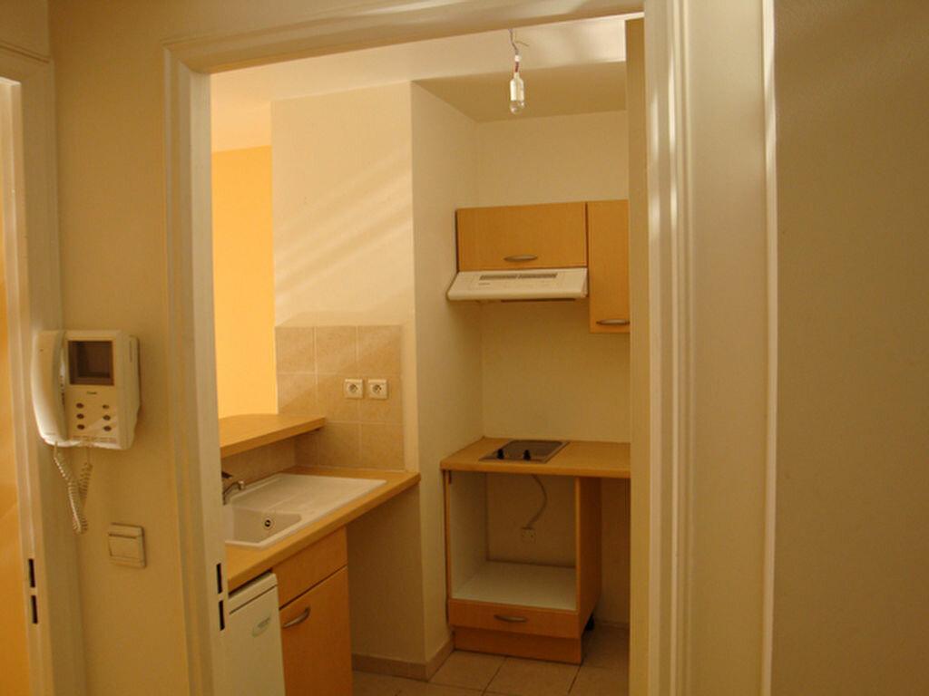 Appartement à louer 2 41.5m2 à Nice vignette-4