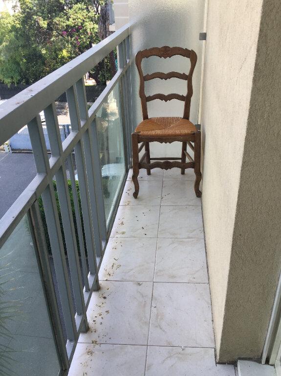 Appartement à louer 1 18m2 à Nice vignette-2