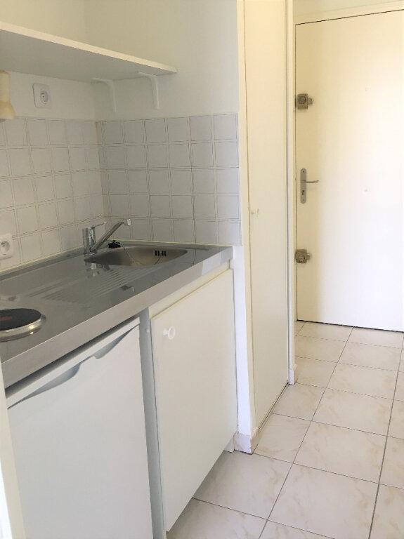 Appartement à louer 1 18m2 à Nice vignette-5