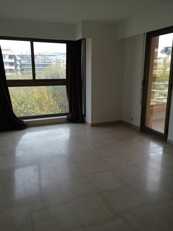 Appartement à louer 1 32.79m2 à Nice vignette-2