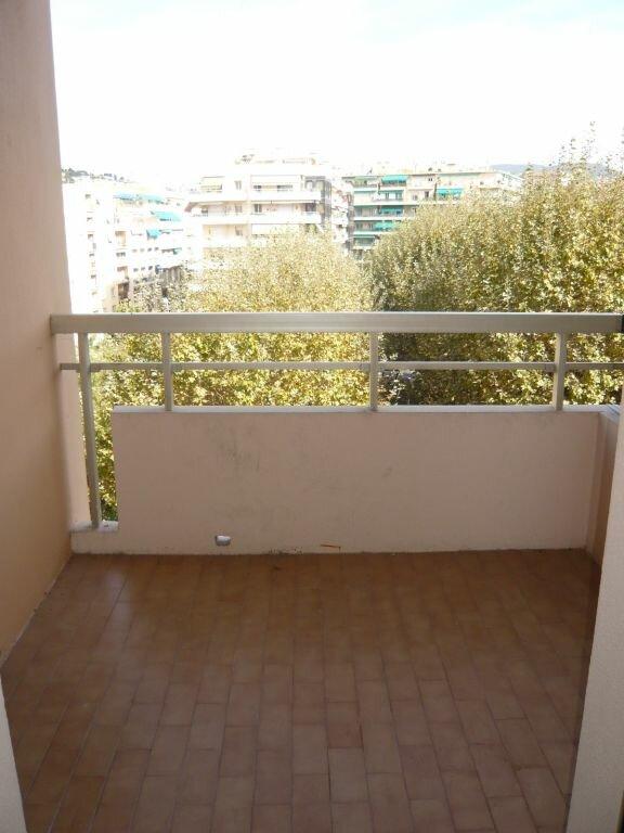 Appartement à louer 1 32.79m2 à Nice vignette-6