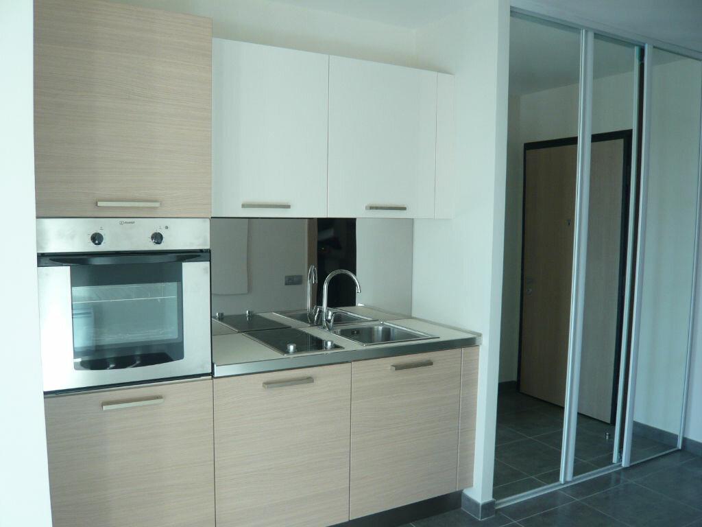 Appartement à louer 1 21.71m2 à Nice vignette-3