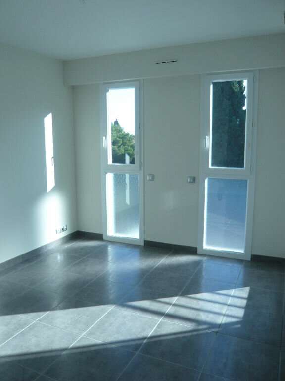 Appartement à louer 1 21.71m2 à Nice vignette-4
