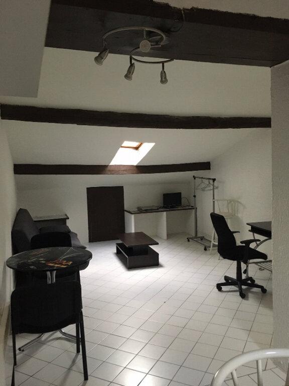 Appartement à louer 1 16.81m2 à Nice vignette-1