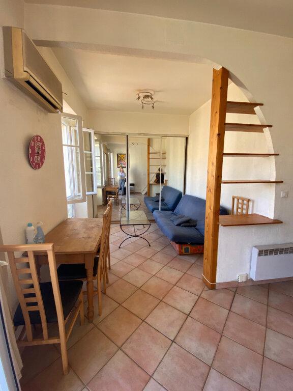 Appartement à louer 1 29.95m2 à Nice vignette-2