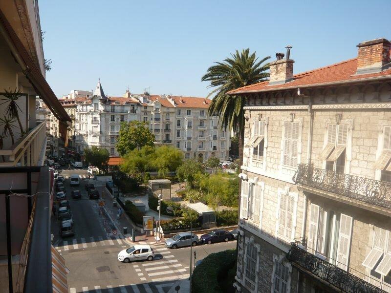 Appartement à louer 2 37.5m2 à Nice vignette-1