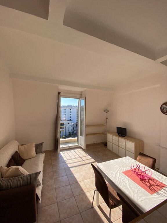 Appartement à louer 2 41.13m2 à Nice vignette-3